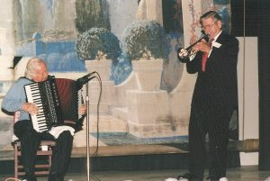 Accordionist Staś Wiśniach and trumpeter Wally Duda performing on the stage of the west side Dom Polski (May 15, 2005). Source: WSDPAHS archives, courtesy of Laurie A. Gomulka
